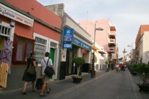 Tenerife l 39 isola d 39 oro tenerife candelaria for Negozi di arredamento a tenerife